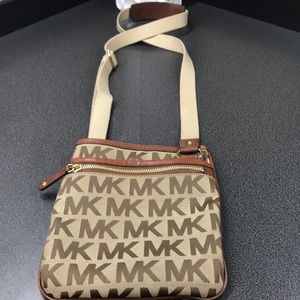 Michael Kors Signature Jacquard crossbody bag